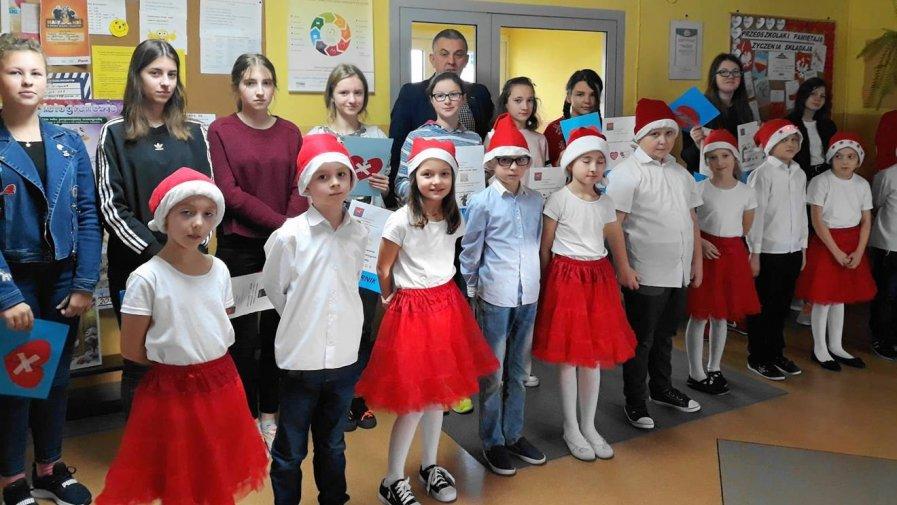 Spotkanie z wolontariuszem w Szkole Podstawowa im. Mikołaja Kopernika w Radzicach Dużych