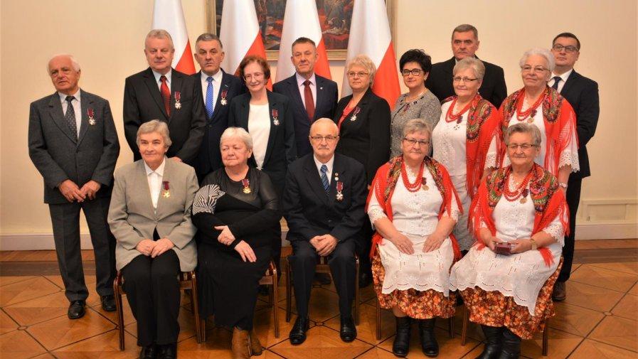 Wicewojewoda wręczył odznaczenia państwowe – Srebrny Krzyż Zasługi dla Włodzimierza Pomykały Prezesa PSD, Koła w Drzewicy